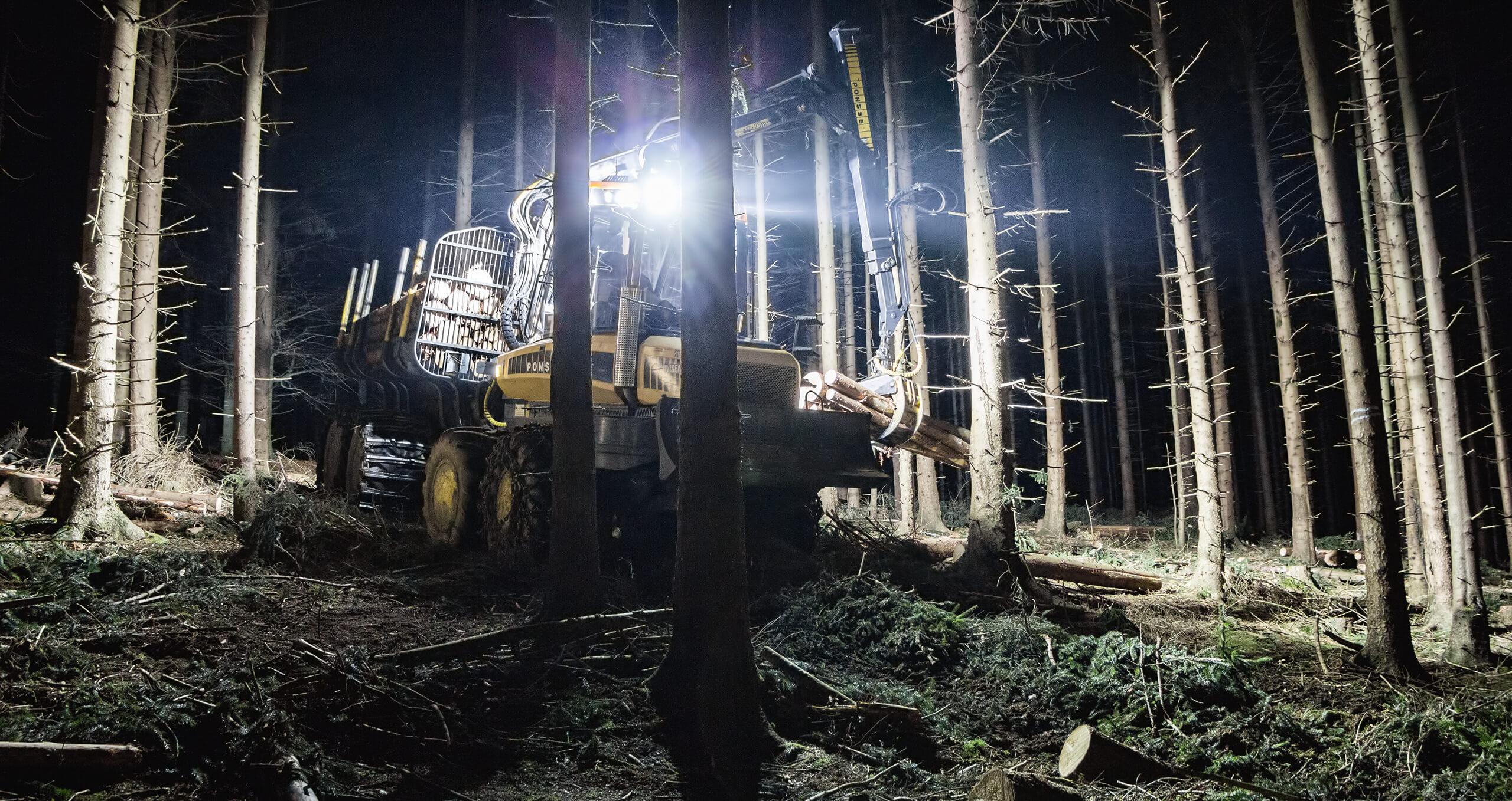 HELLA Anwendungsbild Forst